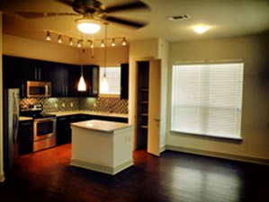 Dining at Listing #232058