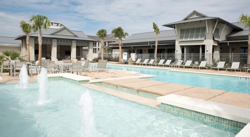 Pool at Listing #281696