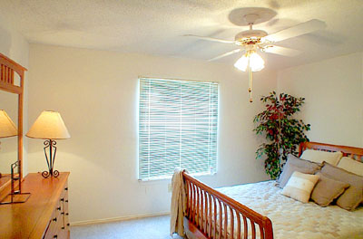 Bedroom at Listing #136585