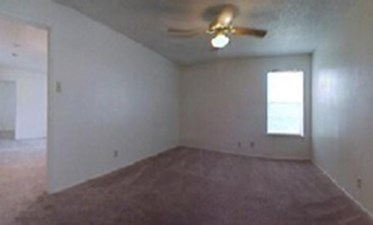 Bedroom at Listing #140950