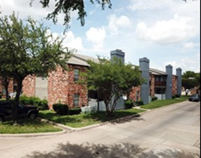 Exterior at Listing #136286