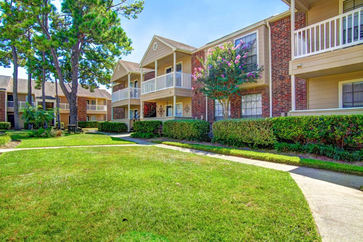 Marymont Apartments Tomball, TX