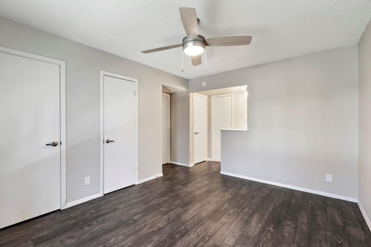 Living at Listing #256793