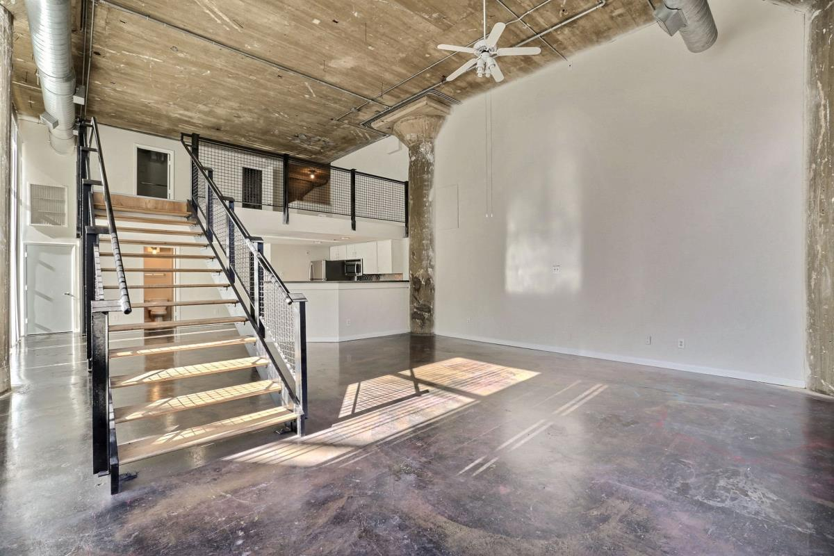 Living at Listing #138208