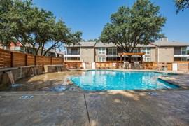 Residence on Lamar I & II Apartments Arlington TX