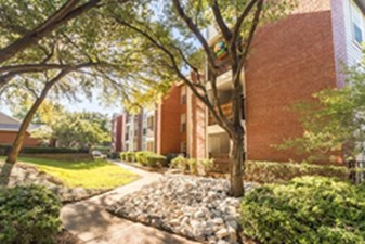 Exterior at Listing #135627