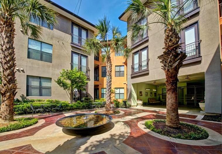 Vue Fitzhugh Apartments