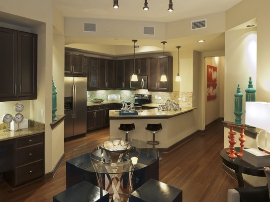 Dining/Kitchen at Listing #152990