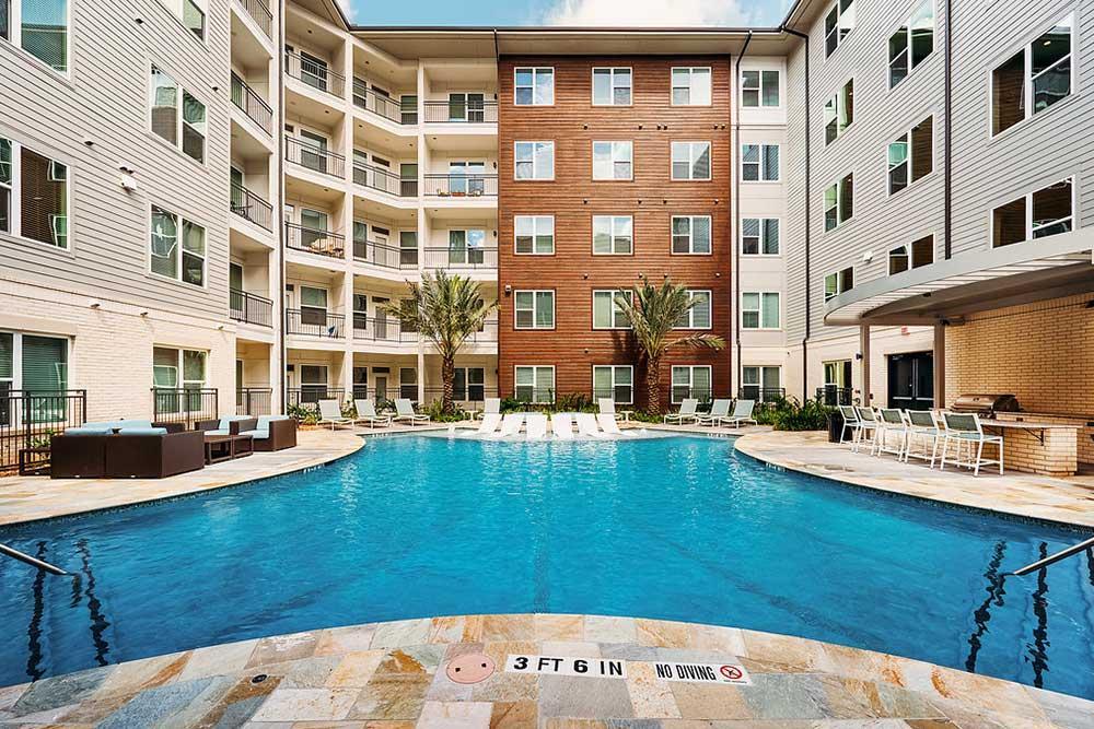 Pool at Listing #283319