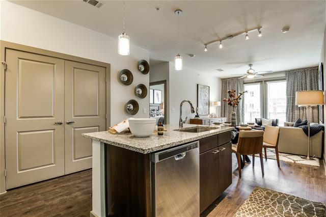 Dining/Kitchen at Listing #275304