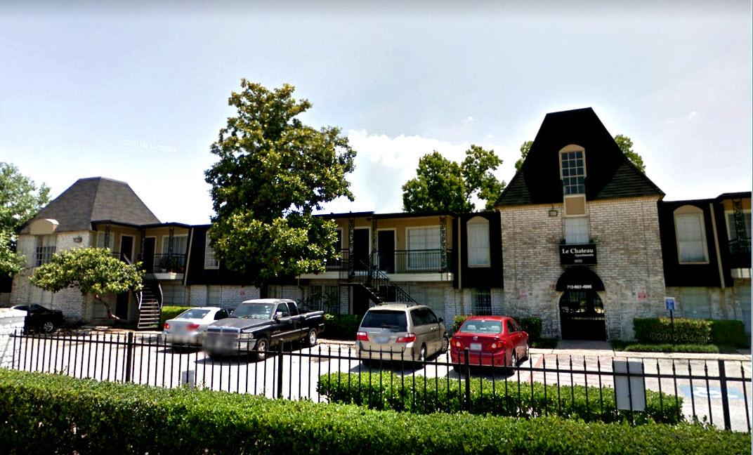 Le Chateau Apartments Houston TX