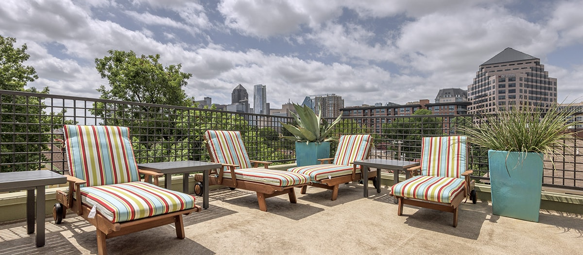 Lounge at Listing #137572