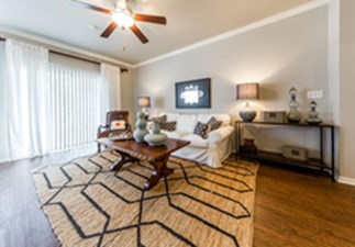 Living at Listing #137920