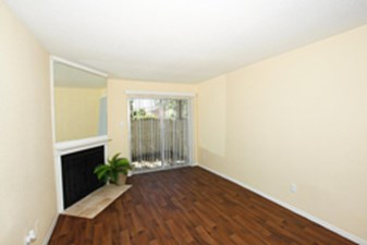 Living at Listing #139892