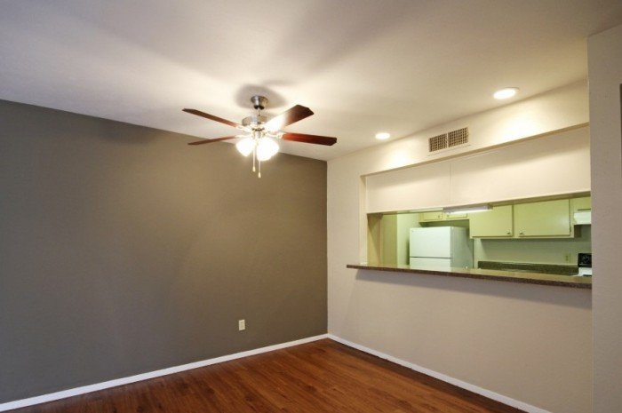 Living at Listing #137322