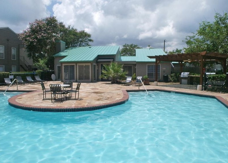Pool at Listing #138305