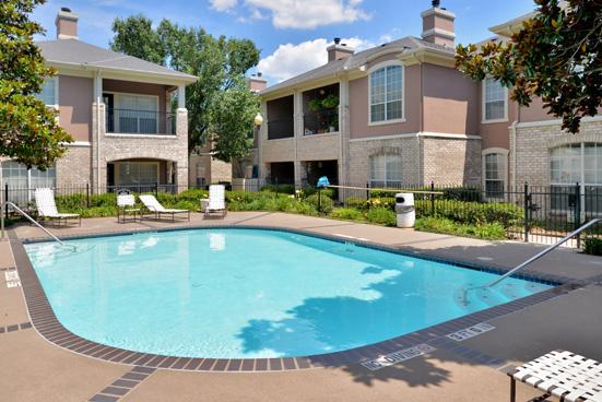 Pool at Listing #137585
