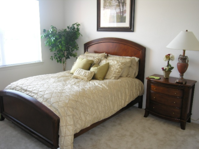 Bedroom at Listing #144660