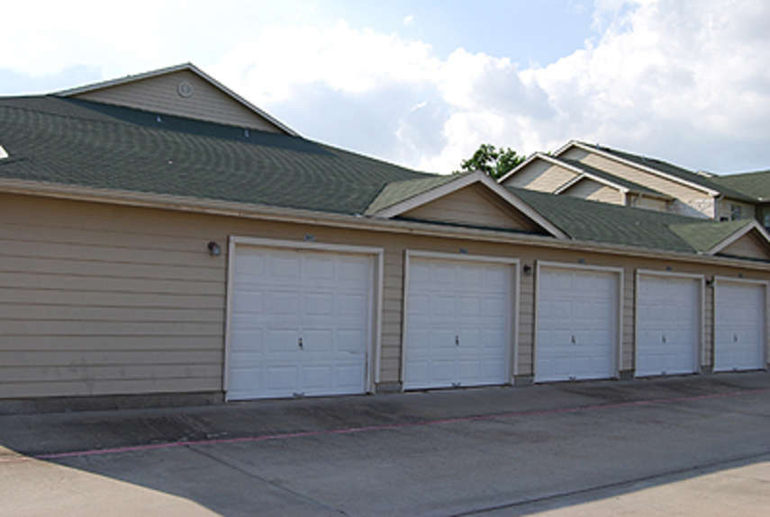 Exterior at Listing #139282