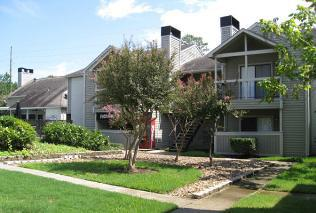 Exterior at Listing #139002