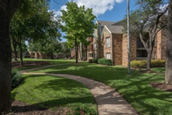 Exterior at Listing #136854