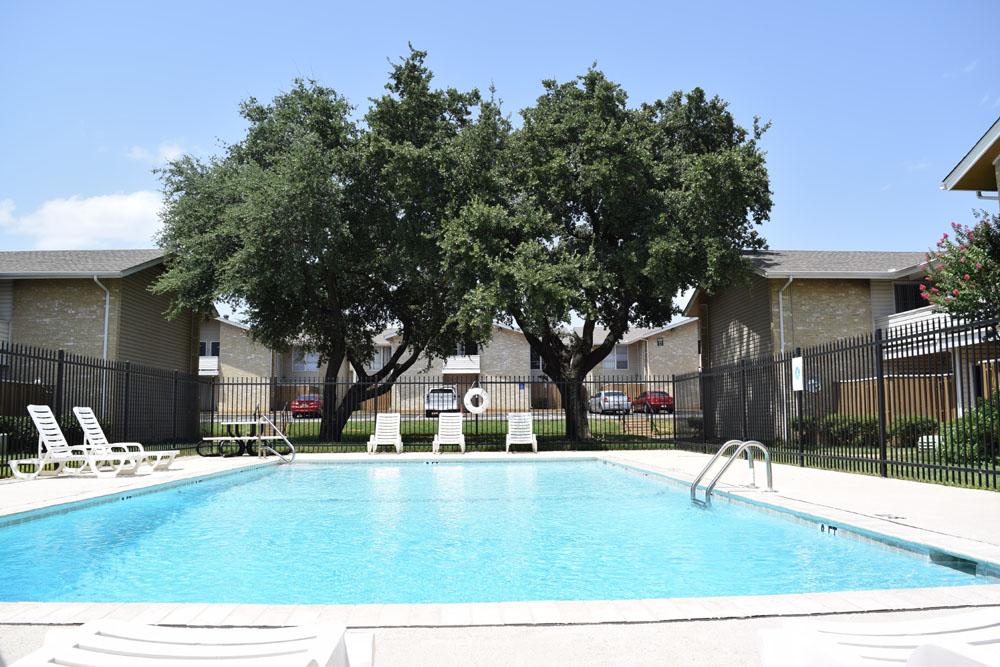 Pool at Listing #136979