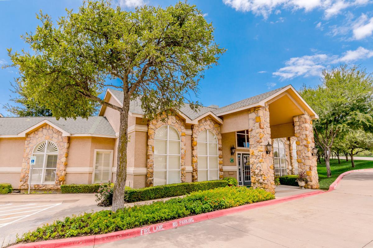Oakmont of Bear Creek Apartments Euless TX