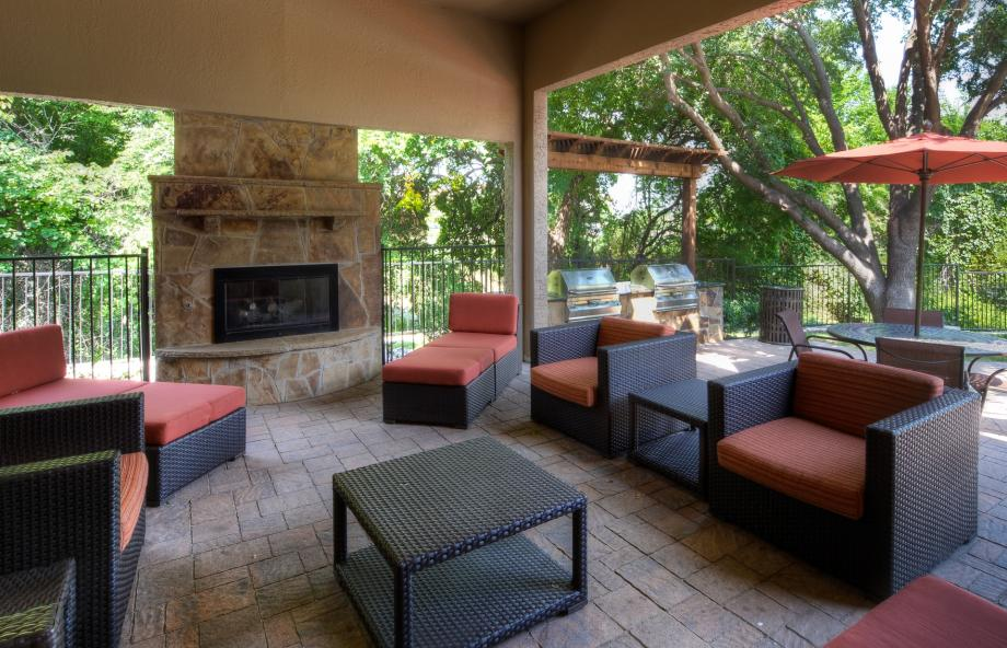 Lounge at Listing #137567