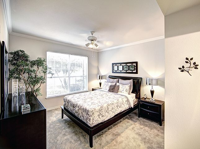 Bedroom at Listing #137709