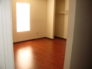 Bedroom at Listing #139536