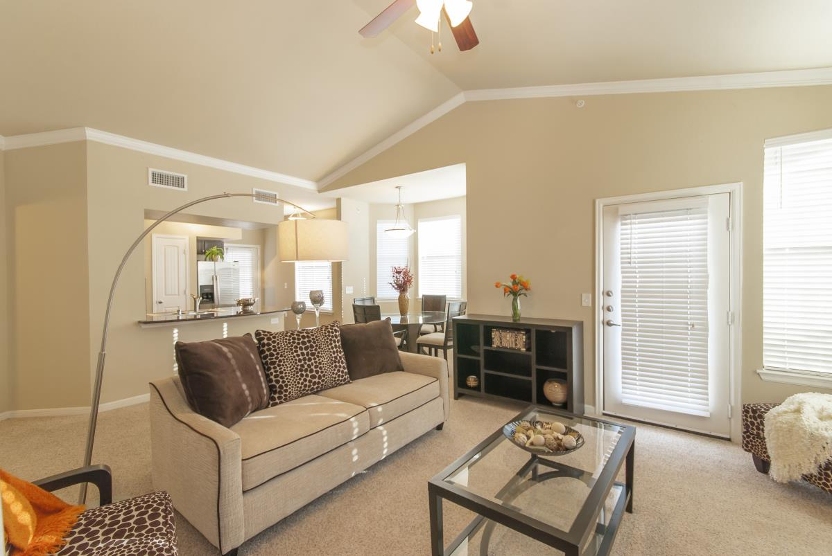 Living at Listing #146319