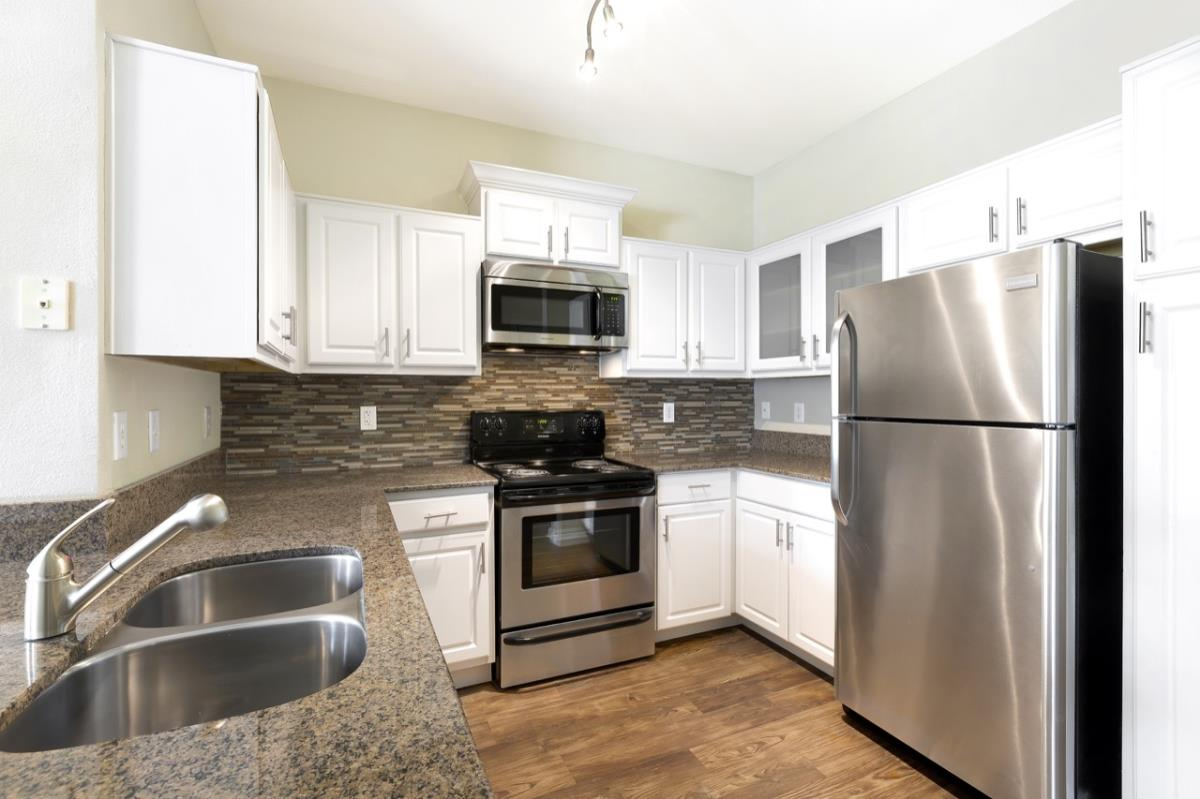 Kitchen at Listing #140147
