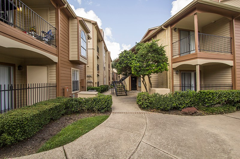 Exterior at Listing #139515