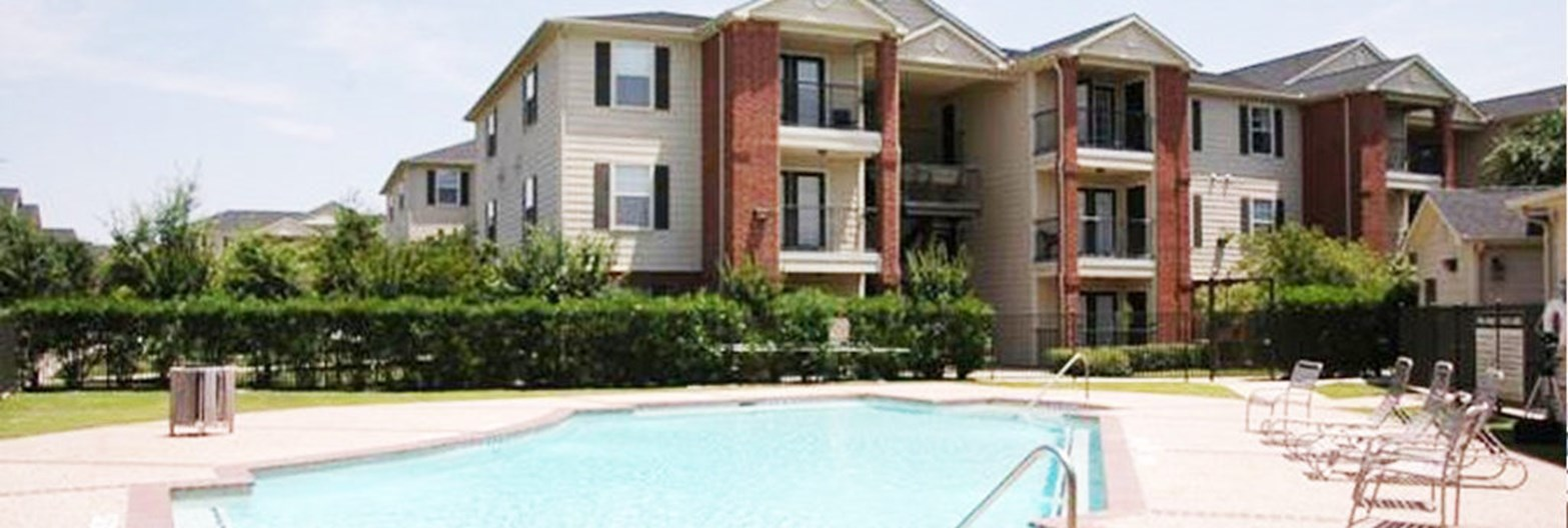 Bellfort Pines Apartments