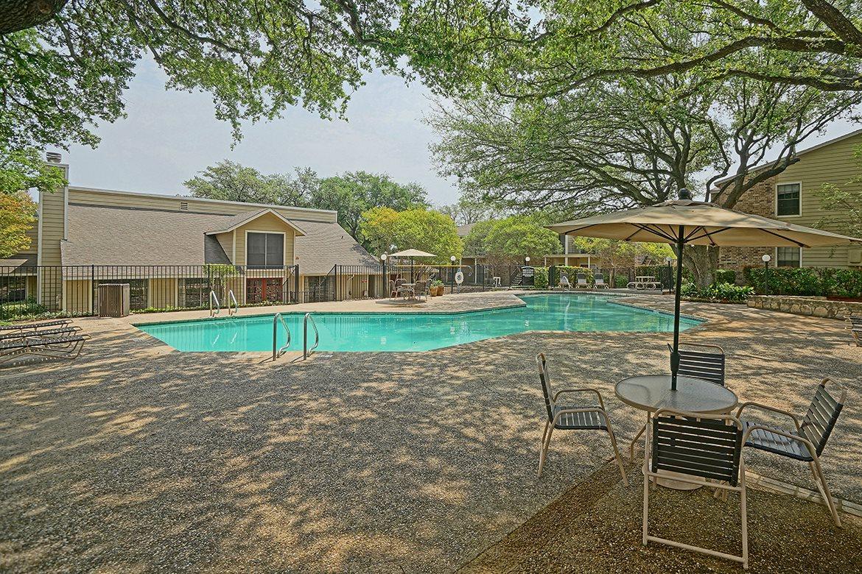 Pool at Listing #141298