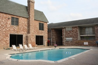 Pool at Listing #289678