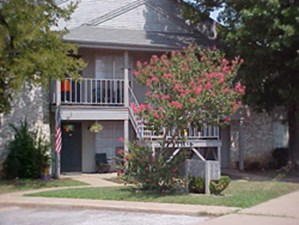 Exterior at Listing #136706
