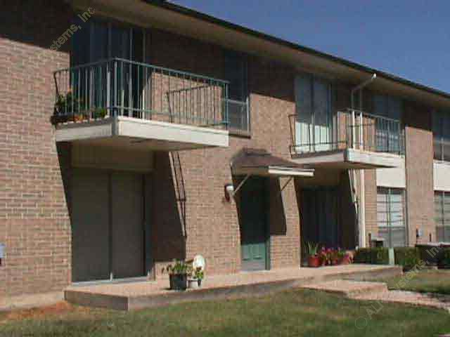 Exterior 2 at Listing #136012