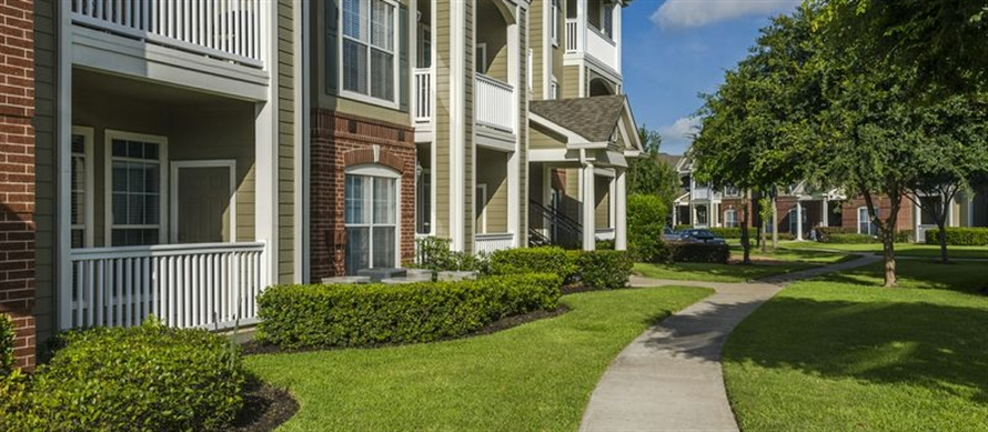 Exterior at Listing #140125