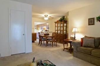 Living/Dining at Listing #290031