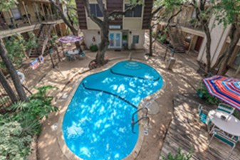 Pool at Listing #141162