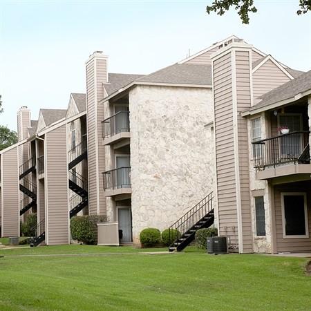 Logan's Mill Apartments Austin TX