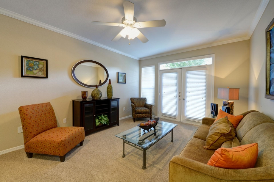 Living at Listing #137597