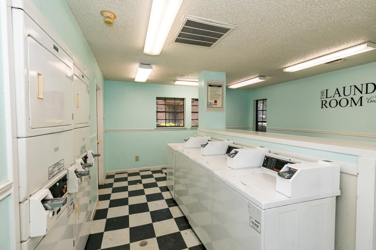 Laundry at Listing #141317