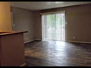 Living Room at Listing #140923