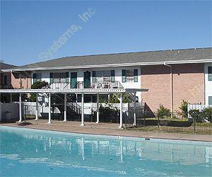 Turf Club Apartments , TX