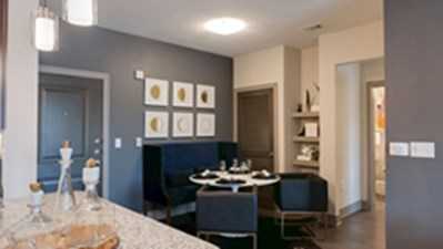 Dining at Listing #309206