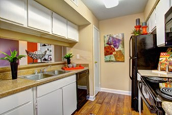Kitchen at Listing #138700