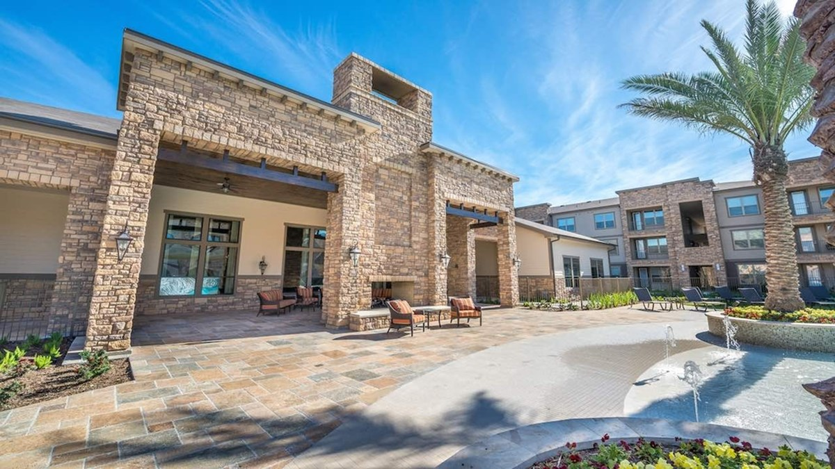 Exterior at Listing #268376