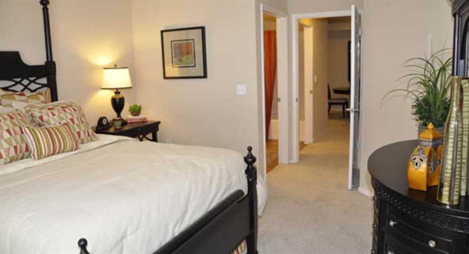 Bedroom at Listing #137592